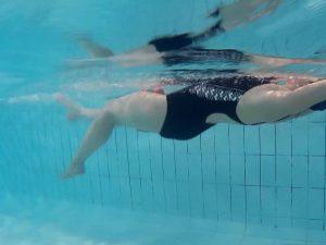 ejercicios-agua-rehabilitacion (2)